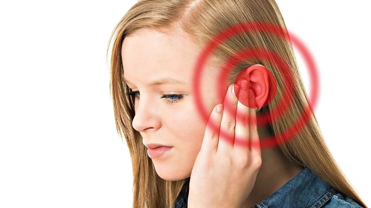 Шум в ушах и чем он может быть вызван?